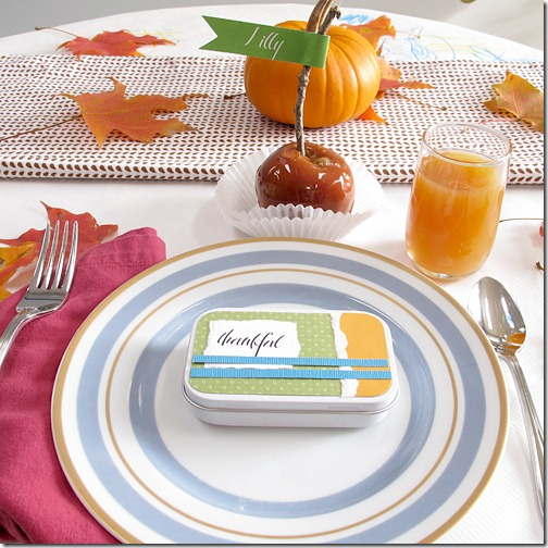 Thanksgiving kids table decorating and activity ideas--diy thankful containers and place setting with caramel apple name cards