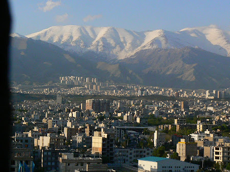 Things to see in Teheran: Tochal Mountains covered in snow