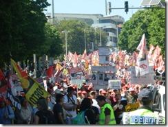 Foto Manif.25 Maio. Milhares a caminho dos Jerónimos. Mai.2013
