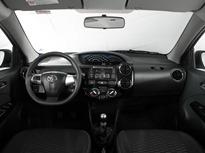 Toyota-Etios-Cross-2