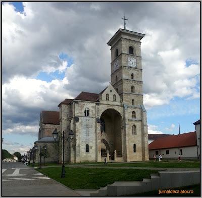 Catedrala Catolica Cetatea Alba Iulia.jpg