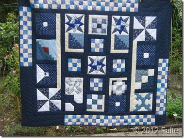 Quilt030-Blau-weiss