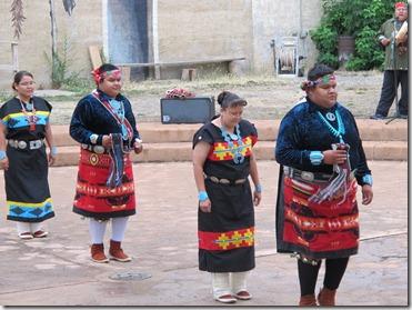 328 Naatsiiliid Dancers