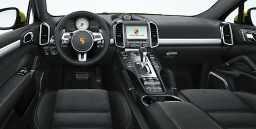 2013-Porsche-Cayenne-GTS-20.jpg