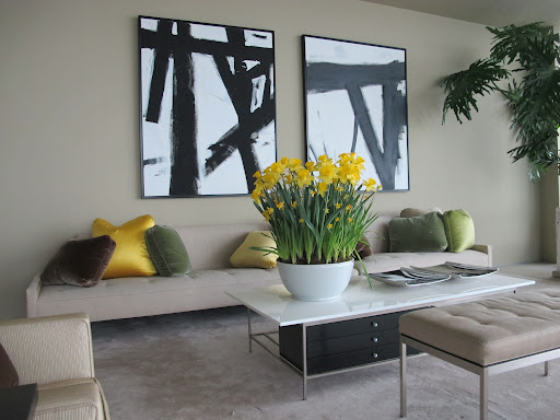 These daffodils stand so well against the neutral tones in my living room.