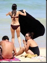 bethenny-frankel-bikini-0220-20-675x900