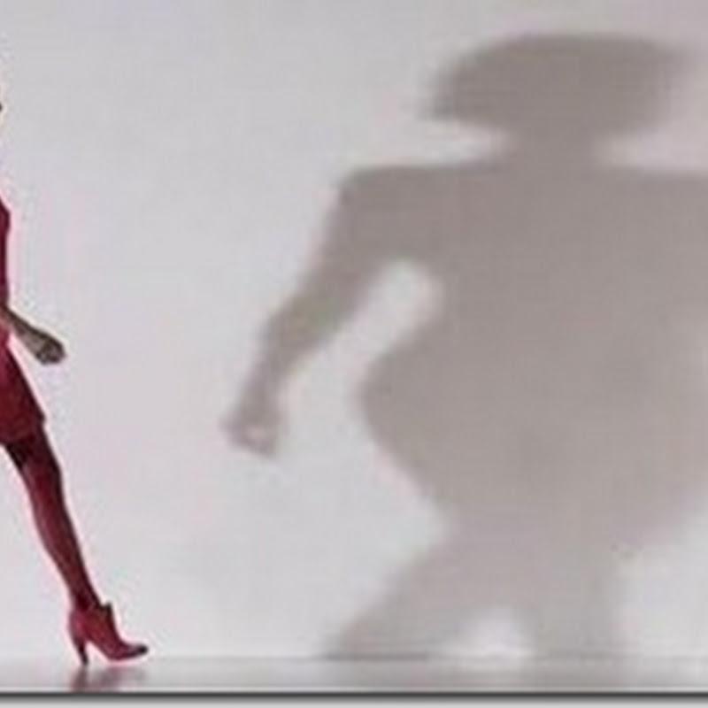 ما هو سبب تمايل المرأة فى مشيتها؟