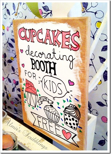 cupcake decorating booth sign