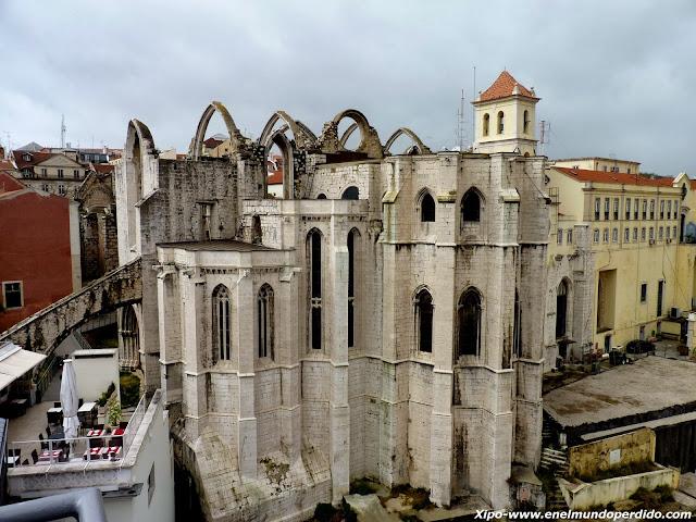monasterio-do-carmo-lisboa.JPG