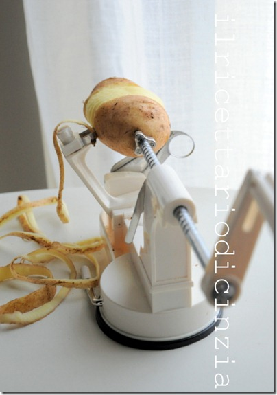 tagliatelle di patata pancetta vino bianco e timo