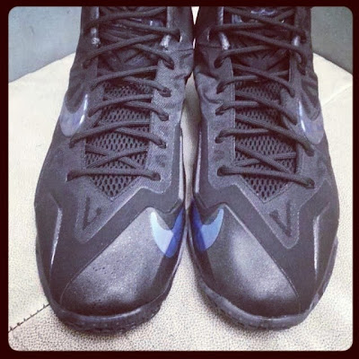 nike lebron 11 gr triple black 1 04 New Nike LeBron 11 Triple Black with Camo Details