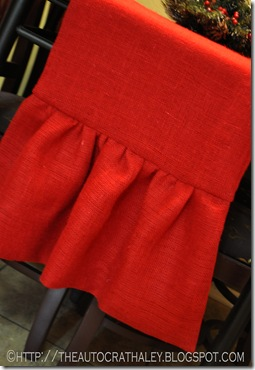 RED BURLAP TABLE RUNNER (2)