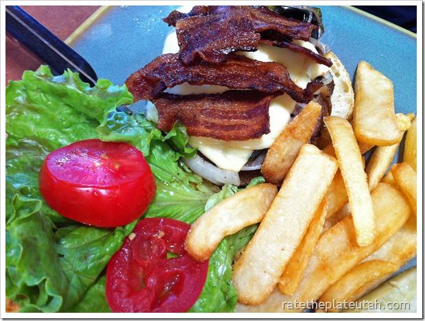 Linn's Pasilla Pepper Jack Burger