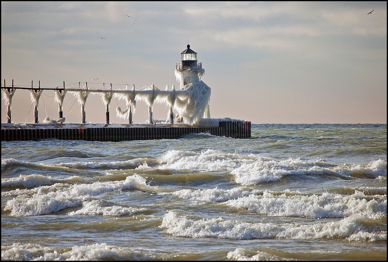 frozen-lighthouses-8