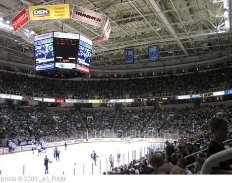 'San Jose Sharks v. Vancouver Canucks.' photo (c) 2006, _e.t - license: http://creativecommons.org/licenses/by-sa/2.0/