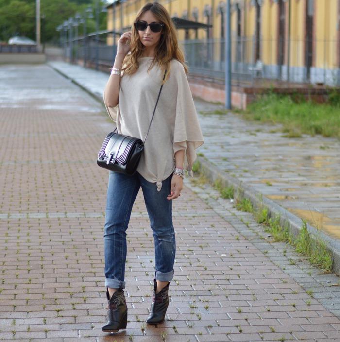 Fashion blogger, Italian fashion blogger, Italian Fashion, Poncho, Poncho outfit, Zara Bag, Borsa Zara