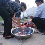 羊の解体は家族みんなで行う。捨てるのは糞だけ。命を大切にいただく。