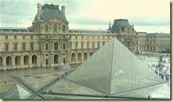 0304 pyramide du Louvre