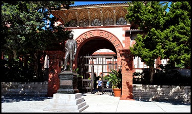 07b - Flagler College - Entrance and Statue