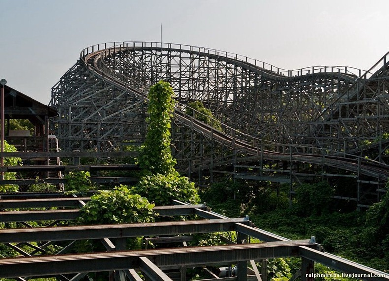 wooden-rollercoaster-11
