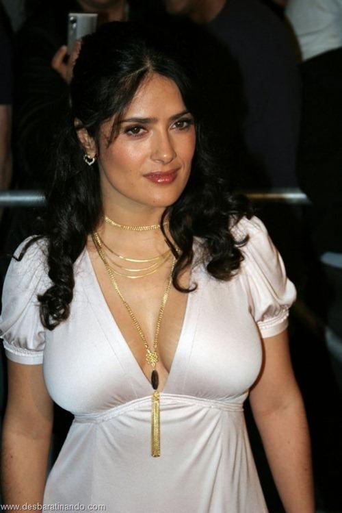 salma hayek linda sensual sexy sedutora gostosa peituda boob tits desbaratinando  (35)