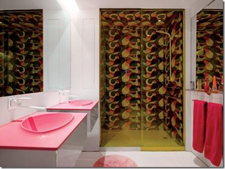 Karim-Rashid-funky-bathroom-designs-582x437
