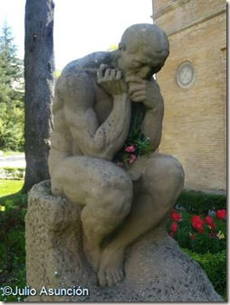 El pensador de Arcaya - Pamplona