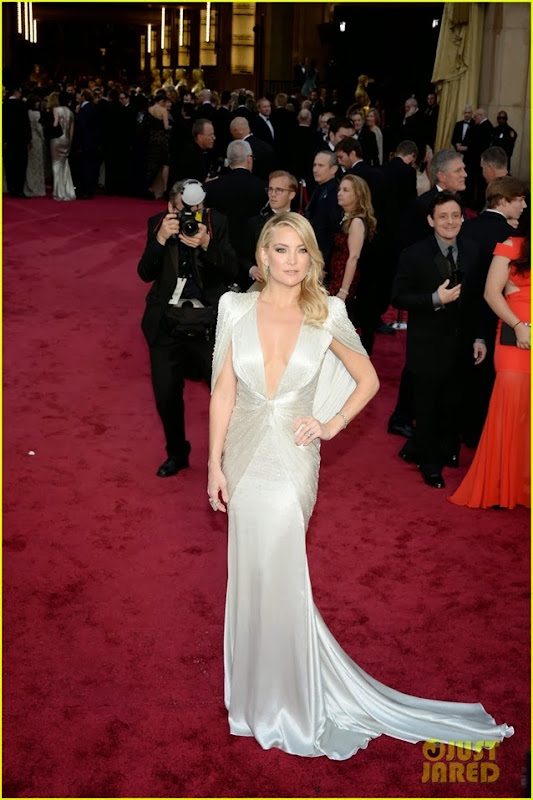 kate-hudson-oscars-2014-red-carpet-04