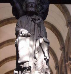 82 - Maestro Mateo - Apostol Santiago del Portico de la Gloria de la Catedral de Santiago
