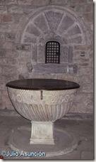Pila bautismal - Urroz-Villa