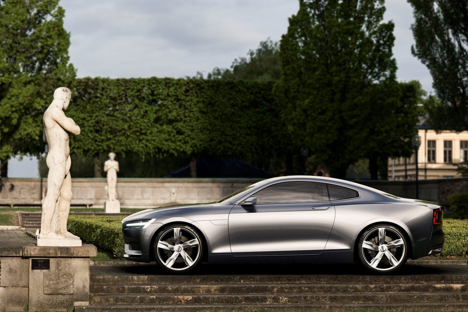 Volvo-Concept-Coupe-3%25255B2%25255D.jpg