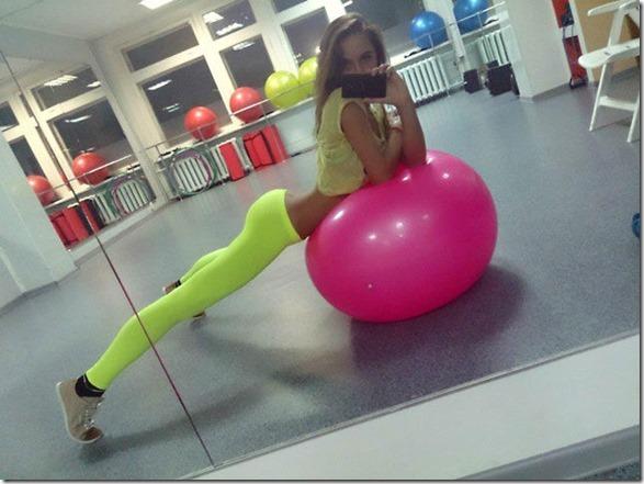 yoga-pants-wonder-bra-26