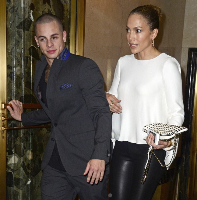 Jennifer Lopez Rocks Engagement