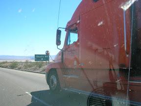 043 - Ojo al nombre de la carretera.JPG