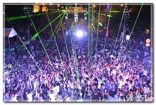 Tưng bừng lễ hội chào mừng năm mới 2013