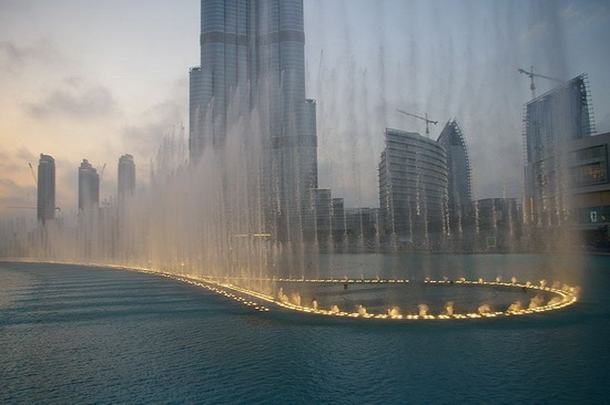Burj_Khalifa_fountain