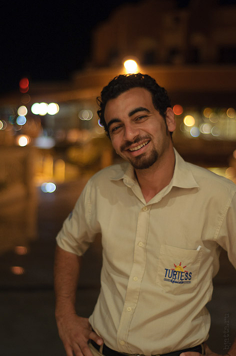 Отель Caribean World Resort Soma Bay. Хургада. Египет. Очень симпатичный и вежливый молодой человек, не в пример остальным египтянам.