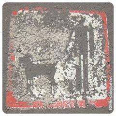 Hold din hund i kort line og lig HELT stille på asfalten!