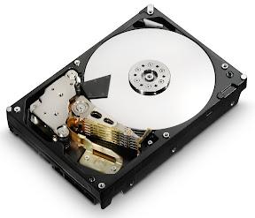 Hitachi 4 TB Deskstar 5K4000 3.5-inch hard drive