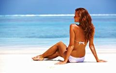 femeie senzuala la plaja