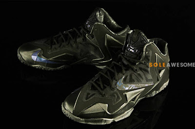 nike lebron 11 gr triple black 2 01 Detailed Look at the Nike LeBron XI Black Out (616175 090)