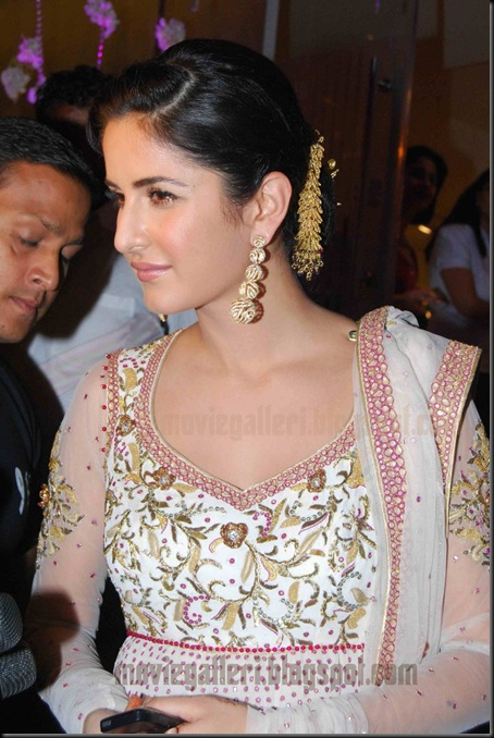 hot-katrinakaif-vikramphadnis-store-launch-images-05