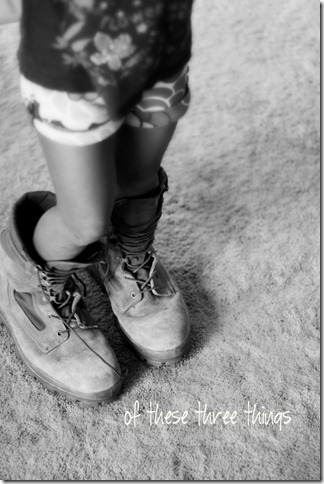 syd boots bw