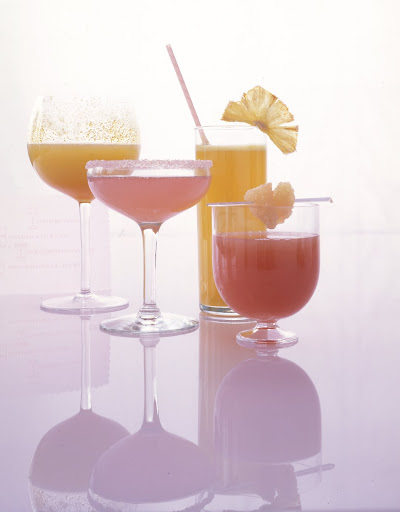 Pink grapefruit and raspberry cocktails. (marthastewartweddings.com)