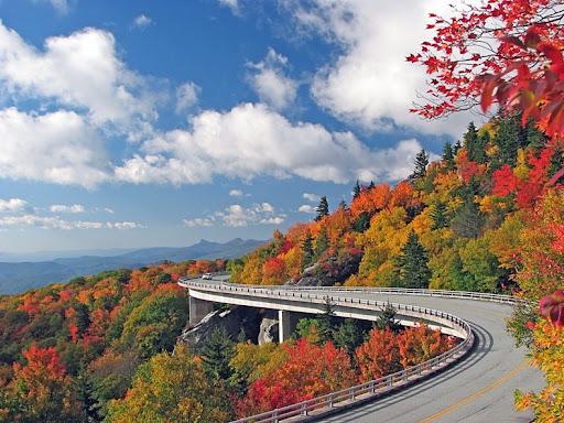 Linn Cove Viaduct, Blue Ridge Parkway Milepost 304.4