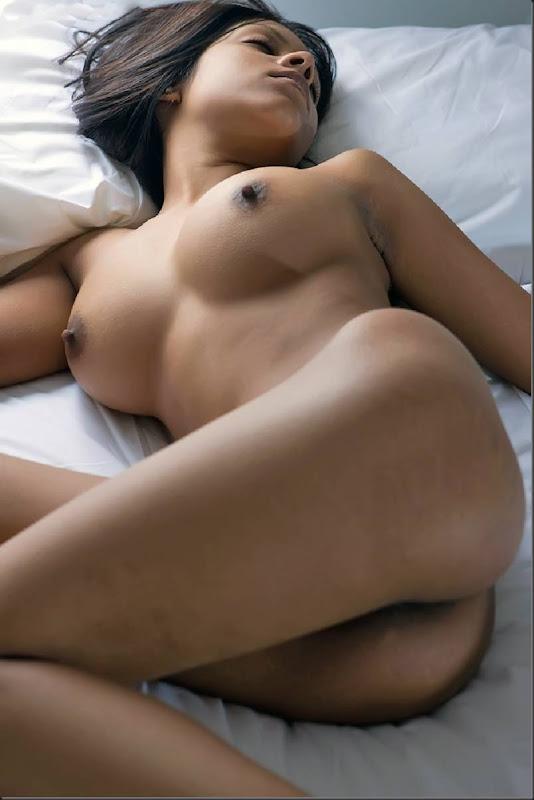 kiki_dormindo_mulher_pelada_nua_buceta_pussy_0116