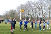 Schoolkorfbaltoernooi ochtend 17-4-2013 009.JPG