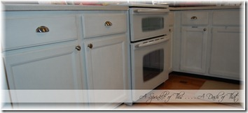 kitchen cabinets with knobs {A Sprinkle of This . . . . A Dash of That}