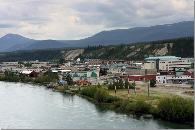 Yukon_River_at_Whitehorse_-b