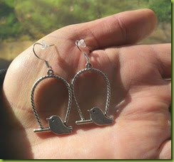 Pretty Cute Jewellery bird on swing earrings